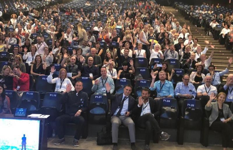 PÚBLICO Mais de 600 profissionais da Europa acompanharam as aulas do professor Hugo Trevisi no X Forestadent Symposium