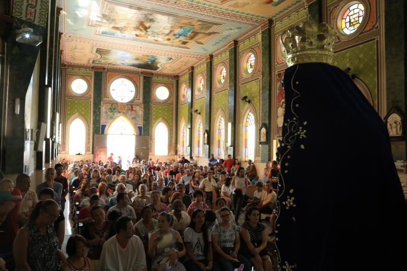 Marco Vinicius Ropelli - Santuário de Nossa Senhora Aparecida em PP recebeu aproximadamente 4 mil pessoas ontem