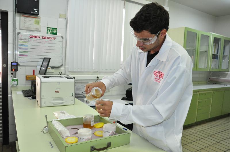 José Reis:Laboratório de controle de qualidade avalia os materiais a serem entregues