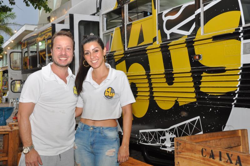 André Aragão e Rochane Celice: food truck 14 Bus garante participação em 2020