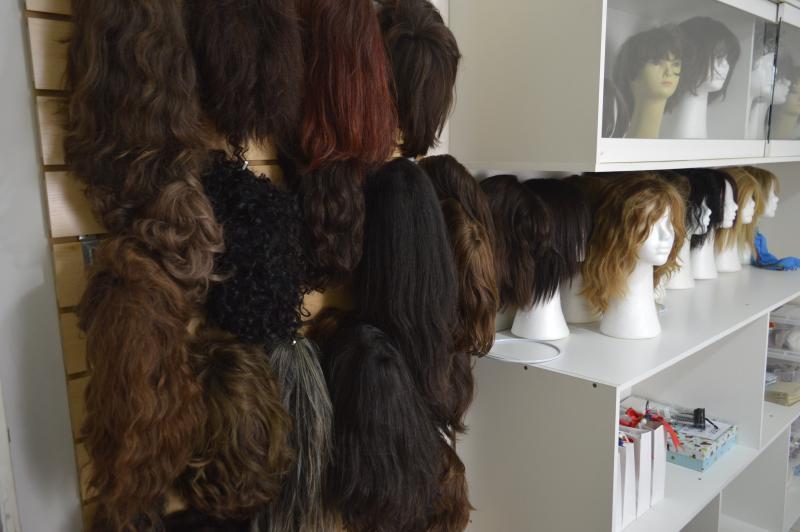 Amigas do Peito - Material será revertido ao grupo Amigas do Peito, que realizará a confecção de perucas