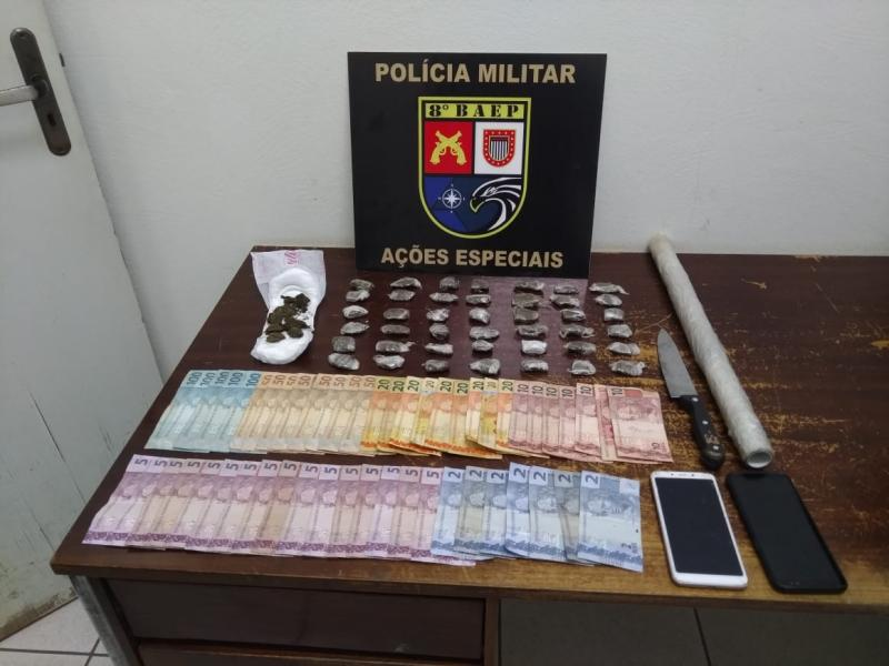 Polícia Militar - Droga foi apreendida e apresentada na delegacia