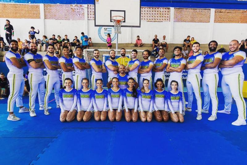 Cedida - Cauê (o 13º em pé) é um dos 23 atletas de vários Estados que compõem a seleção brasileira
