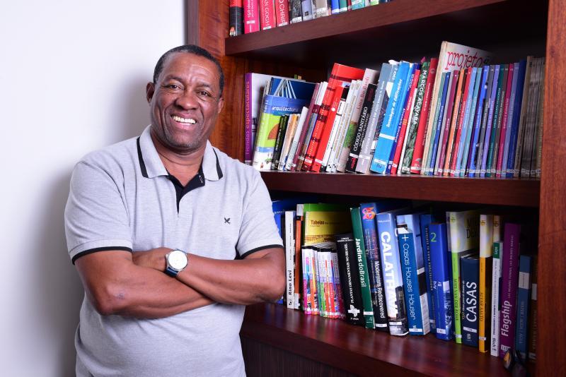 Paulo Miguel - Marcos Fróis diz acreditar na força do trabalho e no poder de transformação da educação