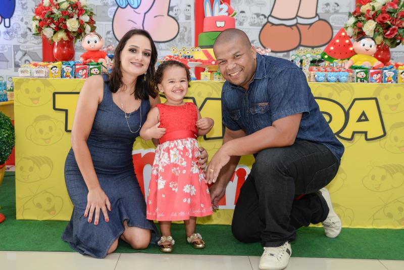 Cedida - Aline, seu marido e filha demonstram a felicidade de terem superados juntos os desafios