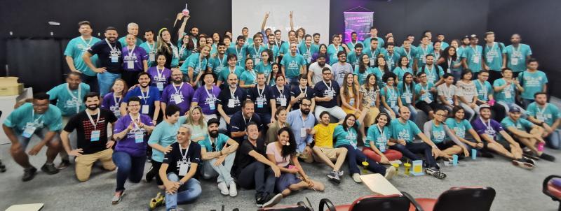 Organizadores, mentores, júri e as 13 equipes do Startup Weekend Educação 2019