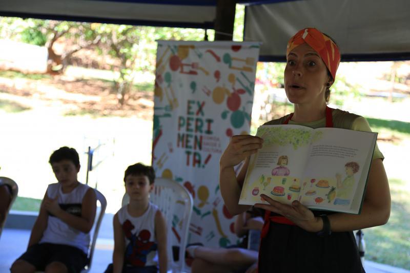Jean Ramalho:Passeio literário, confecção de biscoitos de goiaba e apreciação de arte foram as atividades