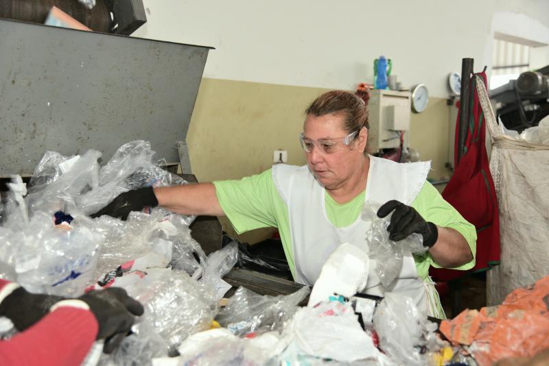 Paulo Miguel - Mesmo aposentada, Vânia não pretende deixar o trabalho na esteira