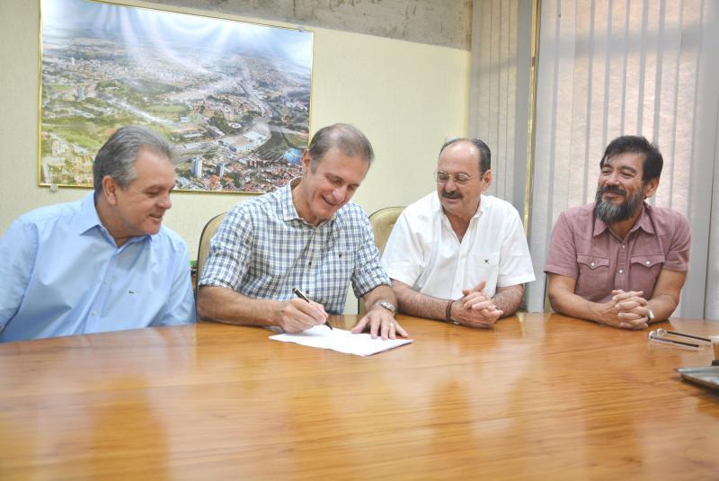Marcos Sanches/Secom - Representantes do consórcio intermunicipale da FCT/Unesp se reuniram na diretoria da universidade