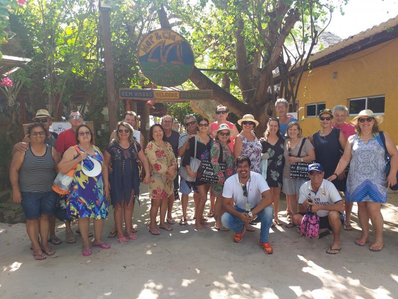 Grupo que esteve curtindo Maceió e praias próximas, em excursão da Balbino Tur.