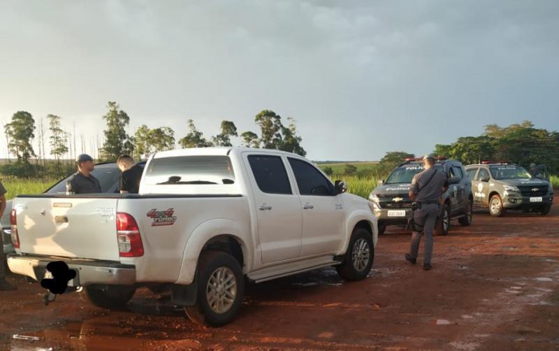 Polícia Militar - Terceiro envolvido chegou em uma camionete, carregando o dinheiro da tentativa de suborno