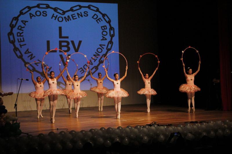 Divulgação:Aliando teatro e diversão, os 200 atendidos da LBV promovem números especiais