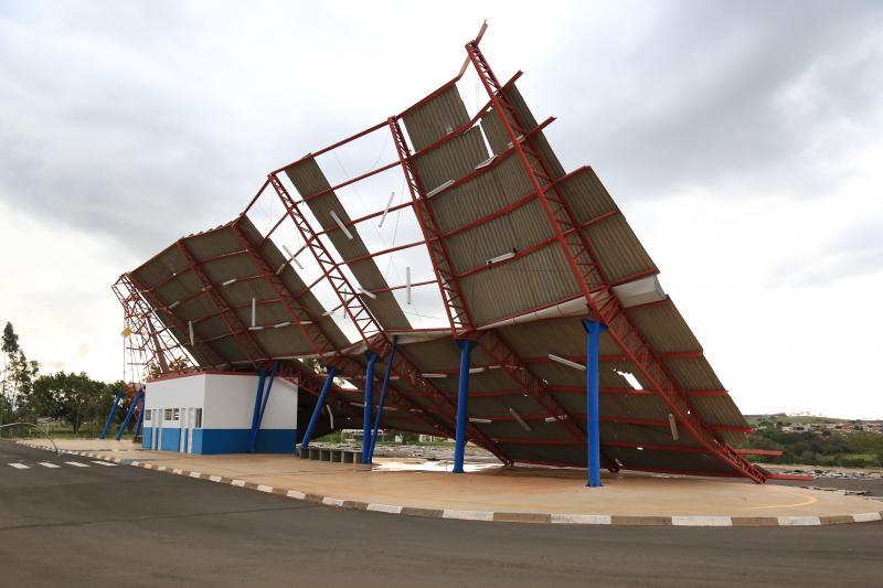 Arquivo - Terminal Urbano da zona oeste foi destruído por vendaval no fim de outubro
