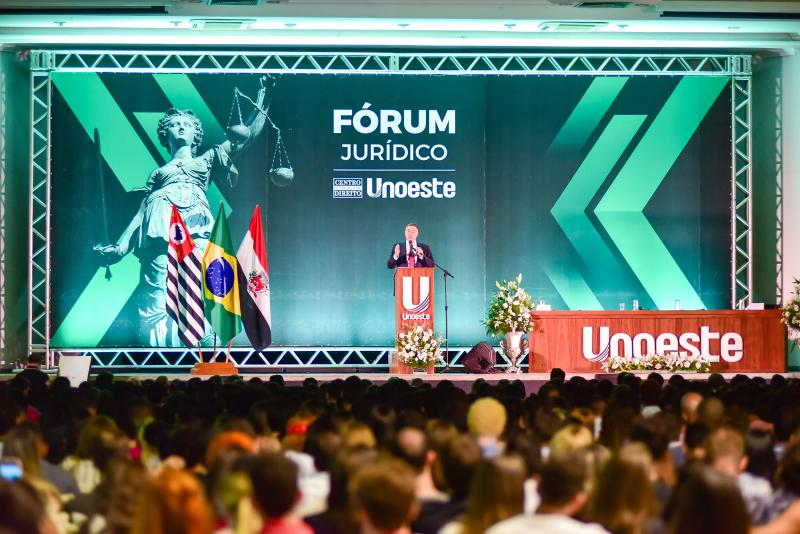 Barroso falou para uma plateia que lotou o Salão do Limoeiro
