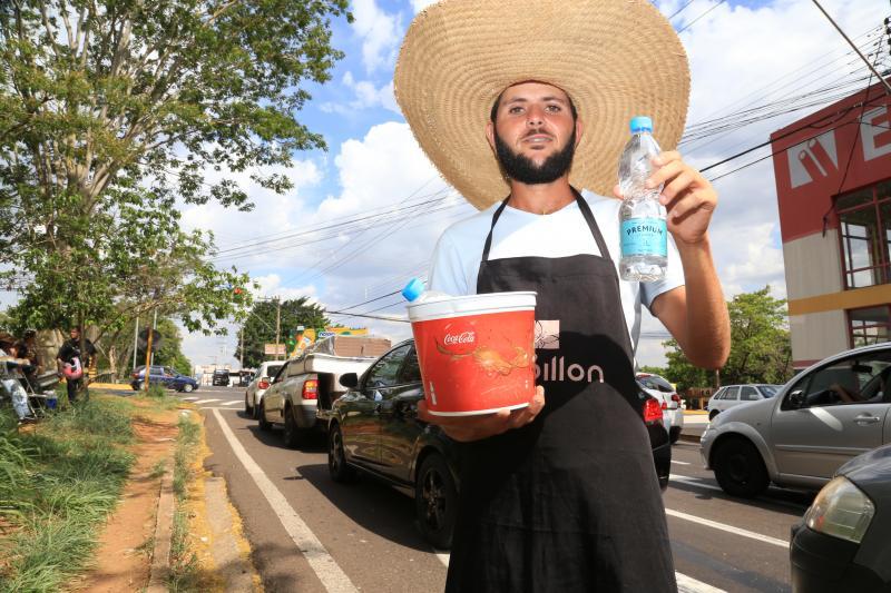 Jean Ramalho - Guilherme comenta que a venda das águas nesse período de calor ajudou a melhorar seu faturamento