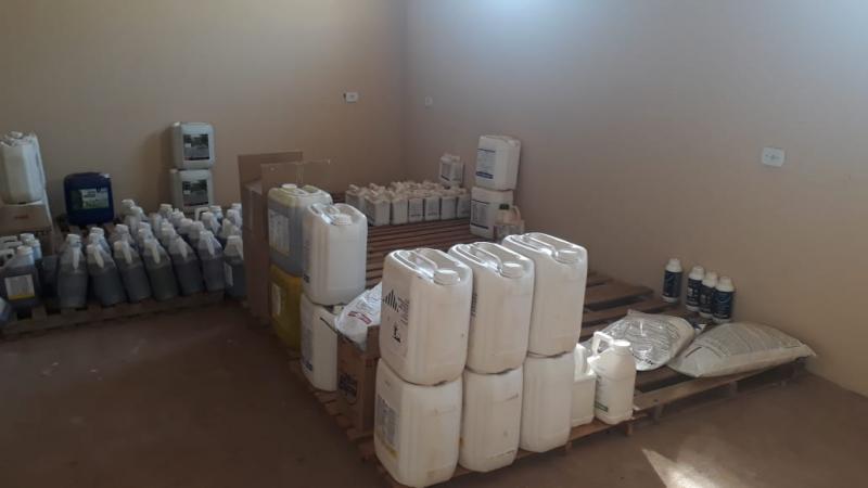 Polícia Militar Ambiental - Agentes chegaram aos produtos após abordarem veículo com carga de agroquímicos sem documentação