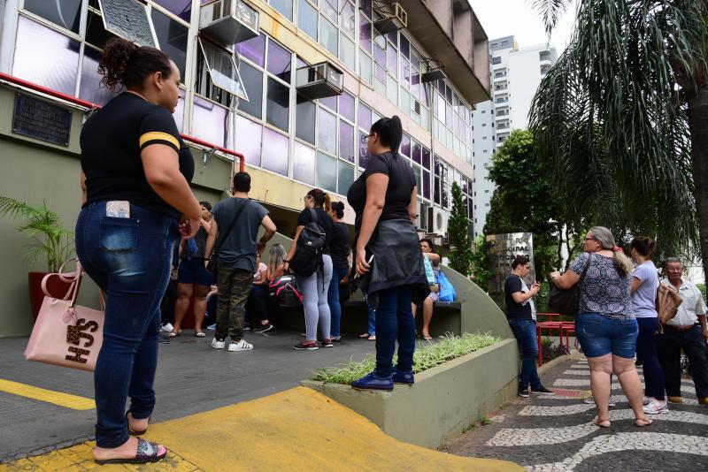 Paulo Miguel - Estagiários manifestantes afirmaram que estavam com faculdade e contas atrasadas