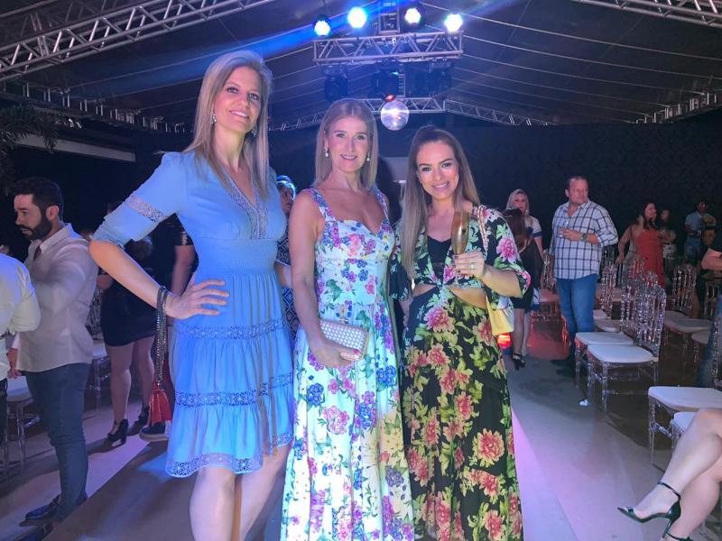 Patrícia Piovesana, Dorisa Medeiros e Aldinéia Faiçal participaram do desfile da Sartô