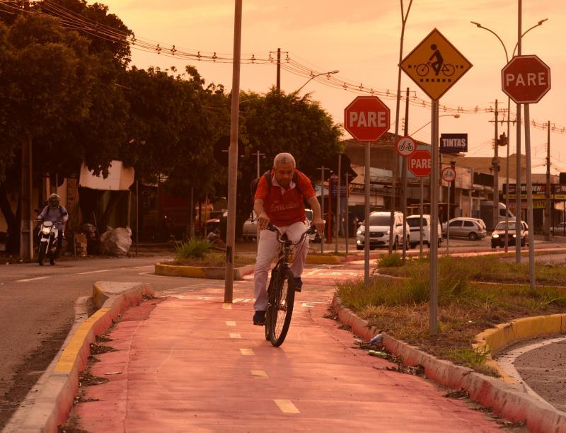 Paulo Miguel - Corredores ligam pontos extremos da cidade com a disposição de 16 quilômetros de ciclovias