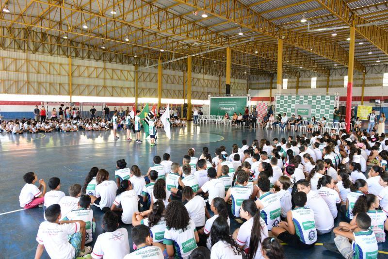 Paulo Miguel - Cerimônia de abertura foi realizada às 8h e contou com a participação de 14 escolas de PP