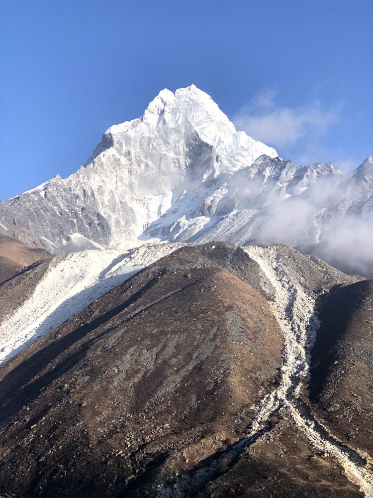 Julia Corradi: Uma das incríveis paisagens dominadas pelas montanhas mais altas e famosa do mundo