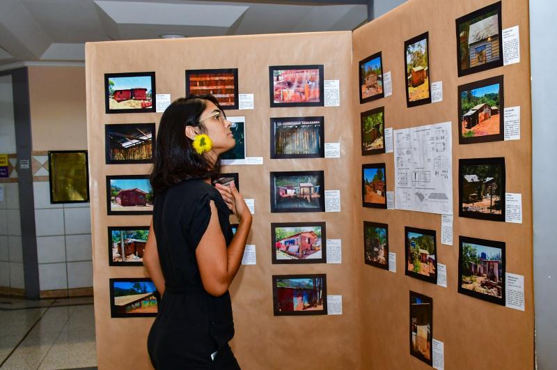 Exposição retrata olhar dos alunos participantes durante visita