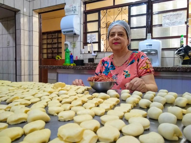Marco Vinicius Ropelli:Há 39 anos de mercado, o salgados e doces de Cidinha são conhecido em Prudente