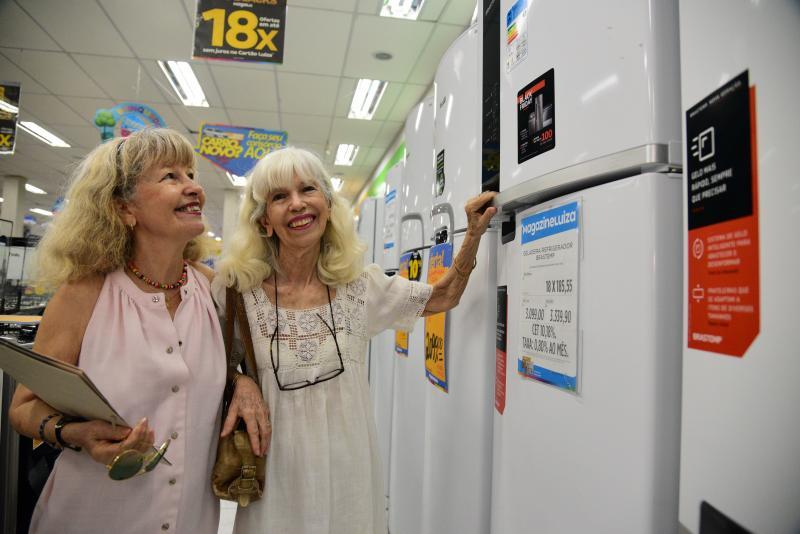 Paulo Miguel - As irmãs Vera Sonia e Clara Helena pesquisaram preços antes da Black Friday