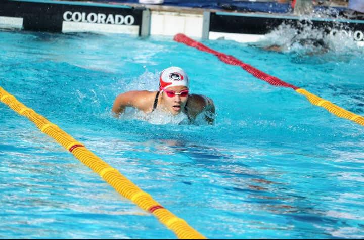Cedidas / Pepé - Camila Kanegaki é destaque entre os nadadores na temporada