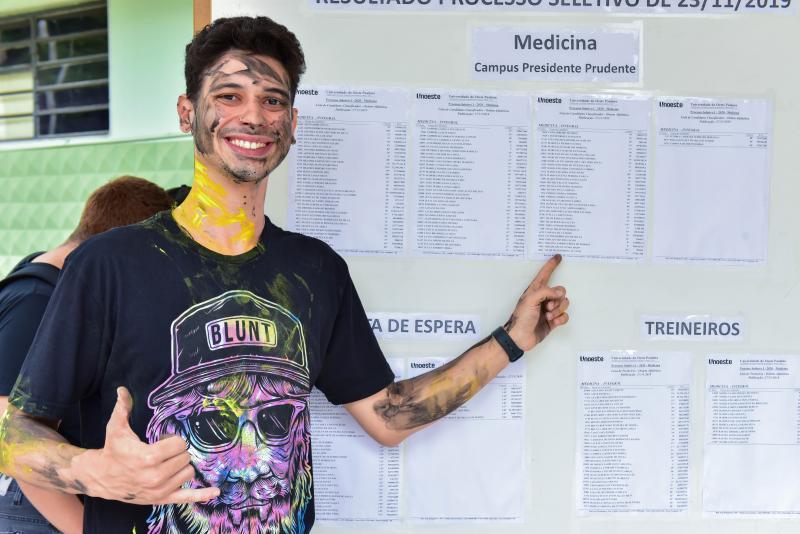 Vitor Figueiredo Galvanin conquistou o 1º lugar em Medicina, o curso mais concorrido do vestibular da Unoeste