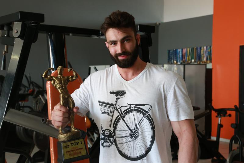 Weverson Nascimento - Mauri trouxe o troféu de campeão depois de 5 meses de preparação para o campeonato