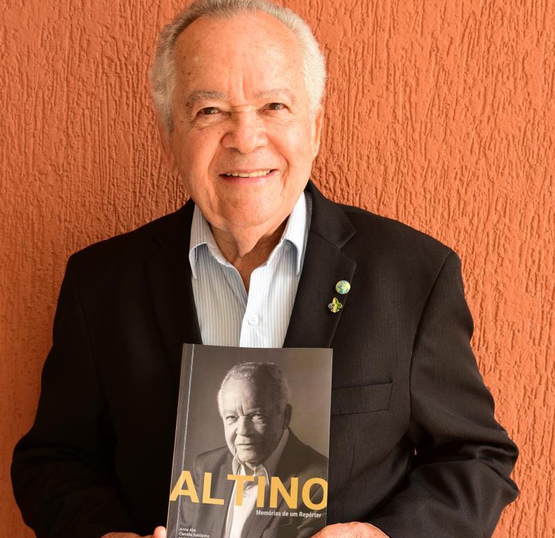 Paulo Miguel: Altino está feliz e diz ser um livro sobre jornalismo regional