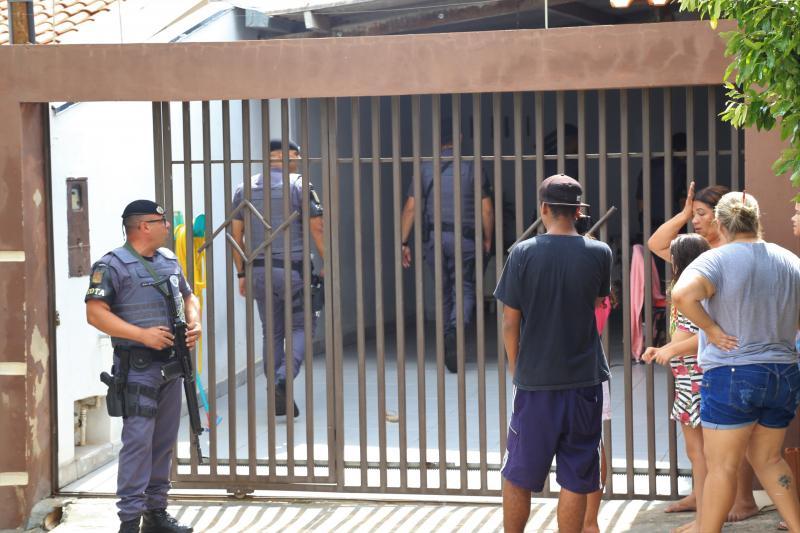 Jean Ramalho - PM foi acionada nas imediações do Jardim Maracanã, sob a informação de que o segundo acusado estaria pelo perímetro