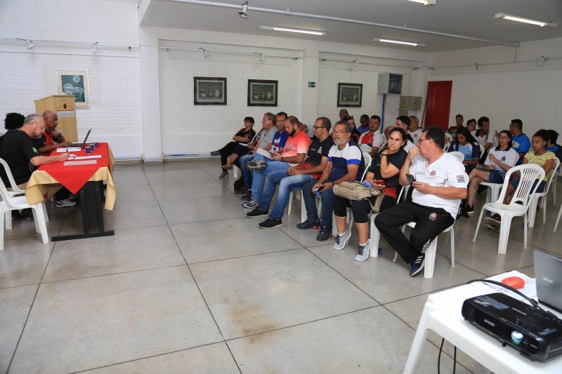 Jean Ramalho - Representantes das cidades participantes do Estadual no sorteio dos grupos ontem à tarde
