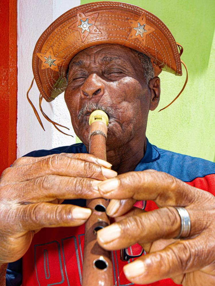 Carlos Castilho: O pifeiro caboclo: música na rua