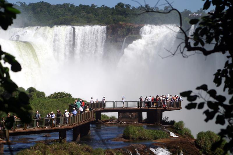 Foz do Iguaçu: excursão rodoviária CVC, saindo de Prudente, em abril