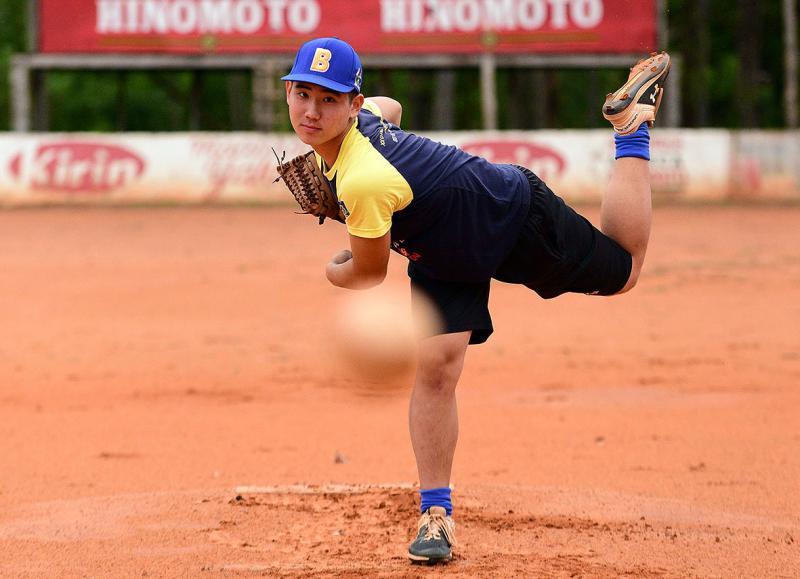 Paulo Miguel - Jun já passou por pelo menos três times de beisebol e o CT da MLB, em Ibiúna (SP)