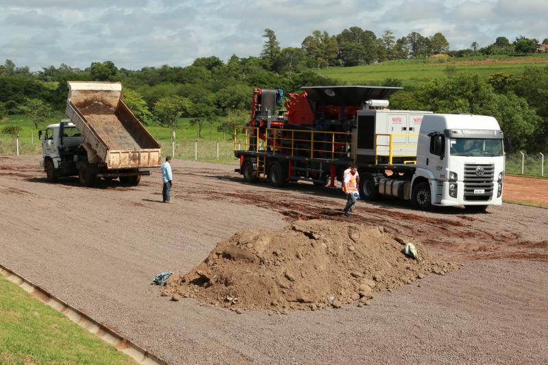 Isadora Crivelli - Maquinário irá processar os resíduos da construção civil, inicialmente, da Prefeitura