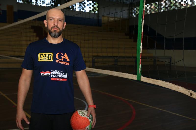 Jean Ramalho - Fabin está à frente da equipe de vôlei da Semepp desde 2015, onde começou como voluntário