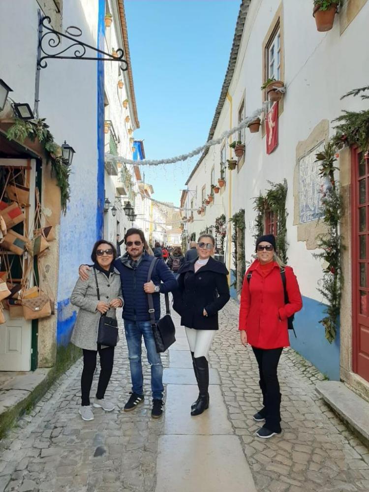 Leny, Raulzinho, Silvia e Ana Mello curtiram o Natal em Portugal, com a Welingtour