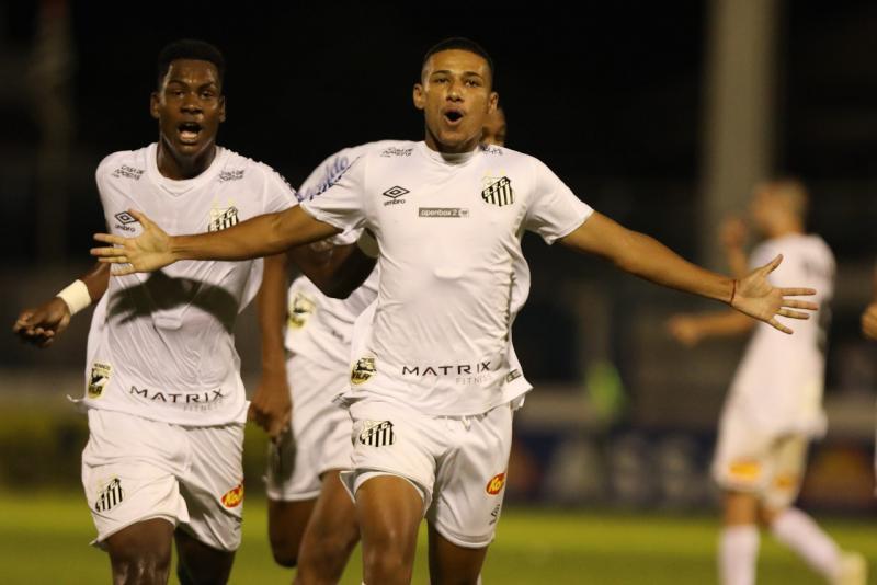 Pedro Ernesto Guerra Azevedo/Santos FC/Divulgação - Doni comemora golaço que ajuda a selar classificação do time alvinegro da Vila