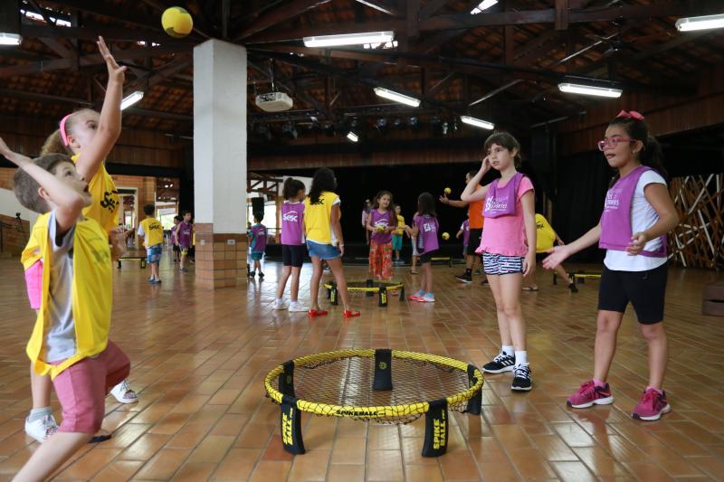 Jean Ramalho - Spikeball agitou a criançada inscrita no Programa de Férias do Sesc Thermas