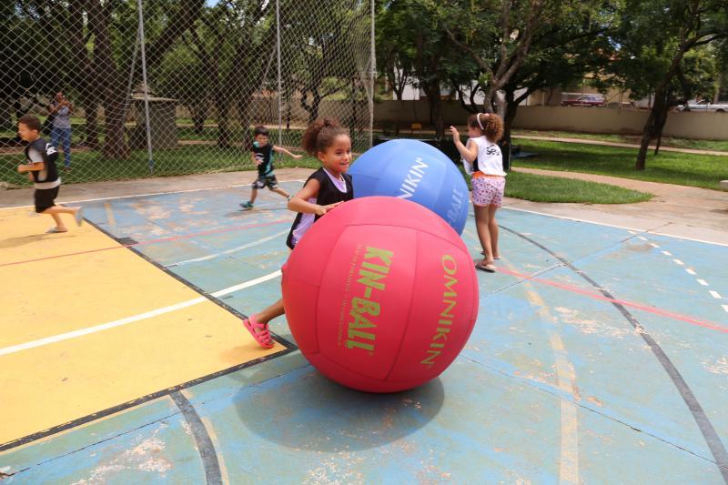 Weverson Nascimento - Bolas gigantes são utilizadas nas partidas movidas a estratégias e diversão