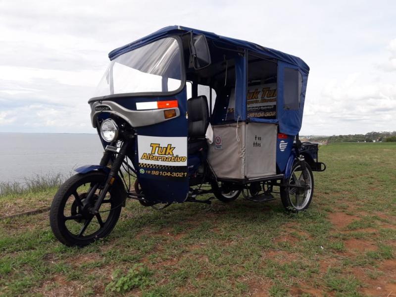 Cedida/Fábio Carlos da Silva - Transporte vem sendo usado aos finais de semana para passeios turísticos na orla do Rio Paraná, que duram de 25 a 30 minutos