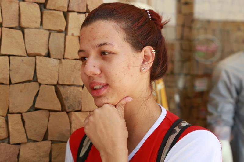 Isadora Crivelli - Tábata quer ser enfermeira ou fisioterapeuta, bons resultados no Enem são necessários