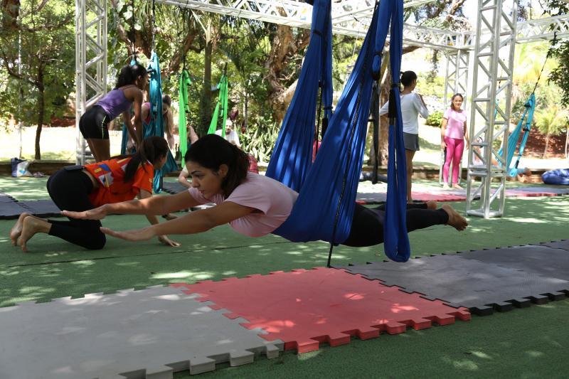 Weverson Nascimento - Atividade contribui para o alívio de dores lombares, além de melhorar a flexibilidade