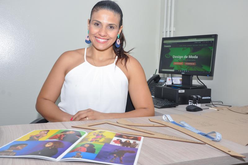 Cedida/João Paulo Barbosa - Coordenadora do curso de Design de Moda da Unoeste, Veridianna Cristina Teodoro Ferreira Berbel