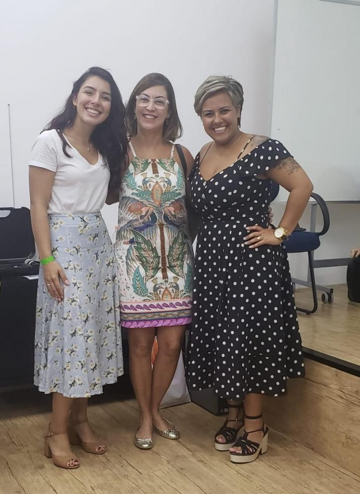 Cedida - Teacher Arlene Correia no 20° Encontro SBS, em São Paulo, entre Amanda Lambert e Bruna Peres