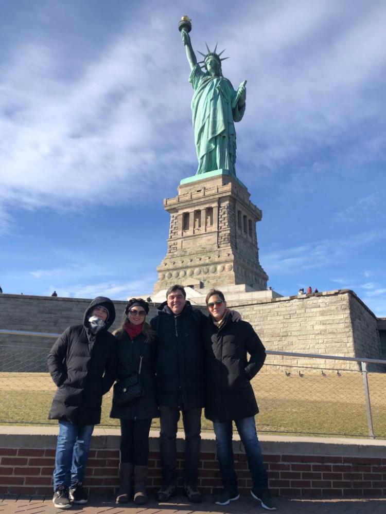 João Mansano, Eduardo, Vanessa e João Victor, em New York, pela Companhia de Viagem