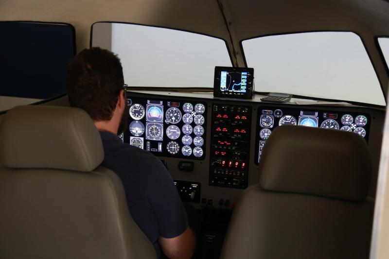 Weverson Nascimento: Simulador permite viver, antes mesmo de embarcar em uma aeronave, a emoção de pilotar